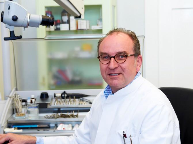 Dr. med. Mariusz A. Ewertowski (HNO Arzt)